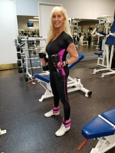 atractive woman in the gym